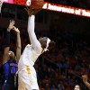 Lady Vols Tame Gators, 67-50