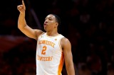 Tennessee Basketball's Grant Williams Decides to Stay in Draft