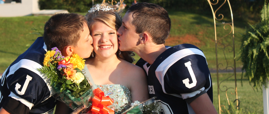 Super Jefferson Middle School Crowns Homecoming Queen The Home Remodeling Inspirations Cosmcuboardxyz
