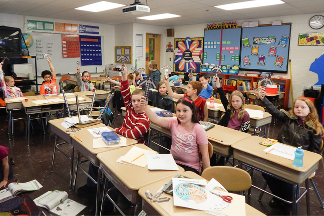 """Elementary Classroom Students ~ """"mindcraft classroom keeps students motivated and focused"""