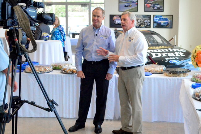 Rusty Wallace Ford >> Rusty Wallace Ford Celebrates Grand Opening In Dandridge